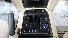 تويوتا لاندكروزر GXR3 قراند تورنج 2021 فل دبل  خليجي جديد للبيع في الرياض - السعودية - صورة صغيرة - 10