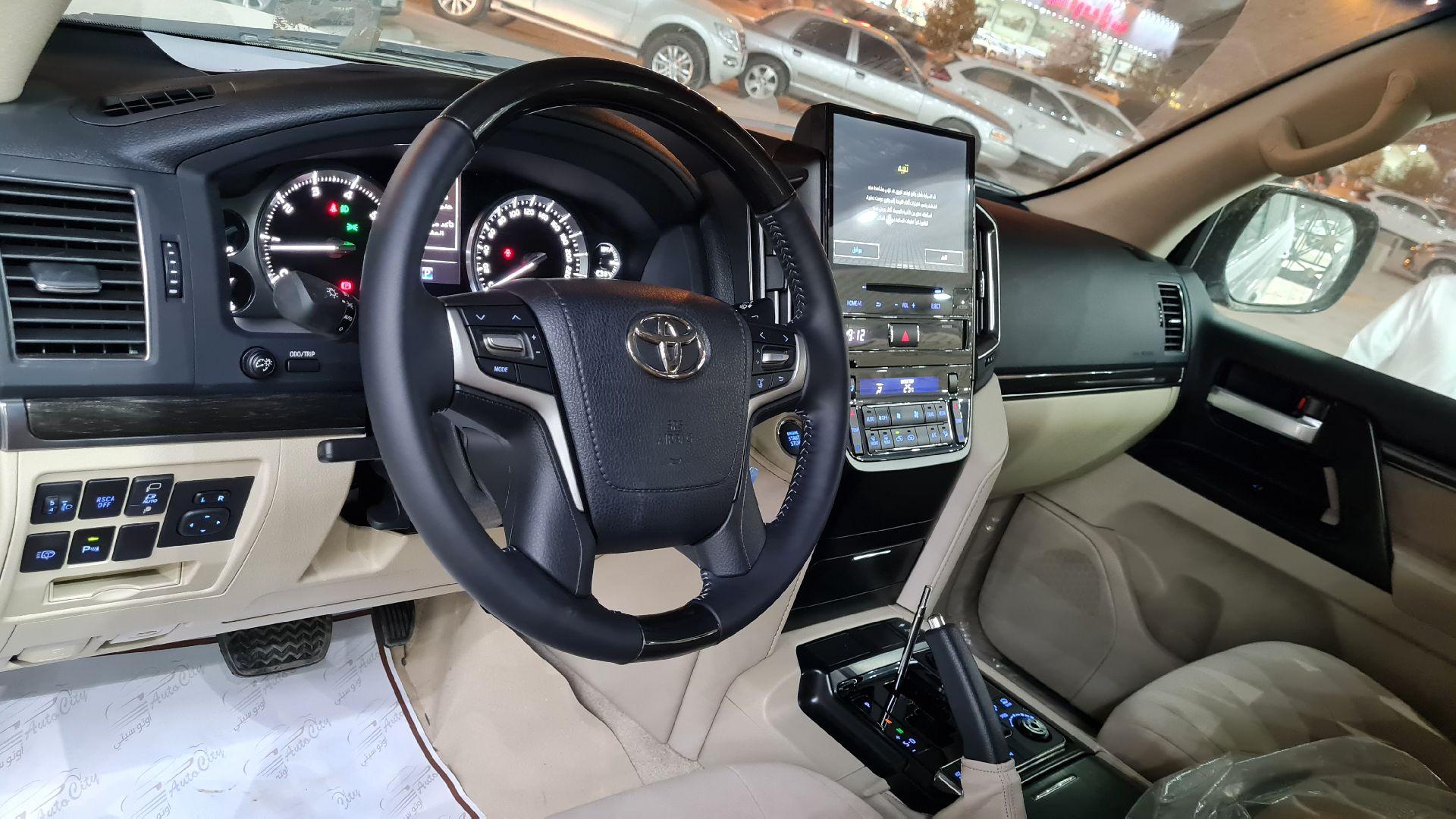 تويوتا لاندكروزر GXR3 قراند تورنج 2021 فل دبل  خليجي جديد للبيع في الرياض - السعودية - صورة كبيرة - 14