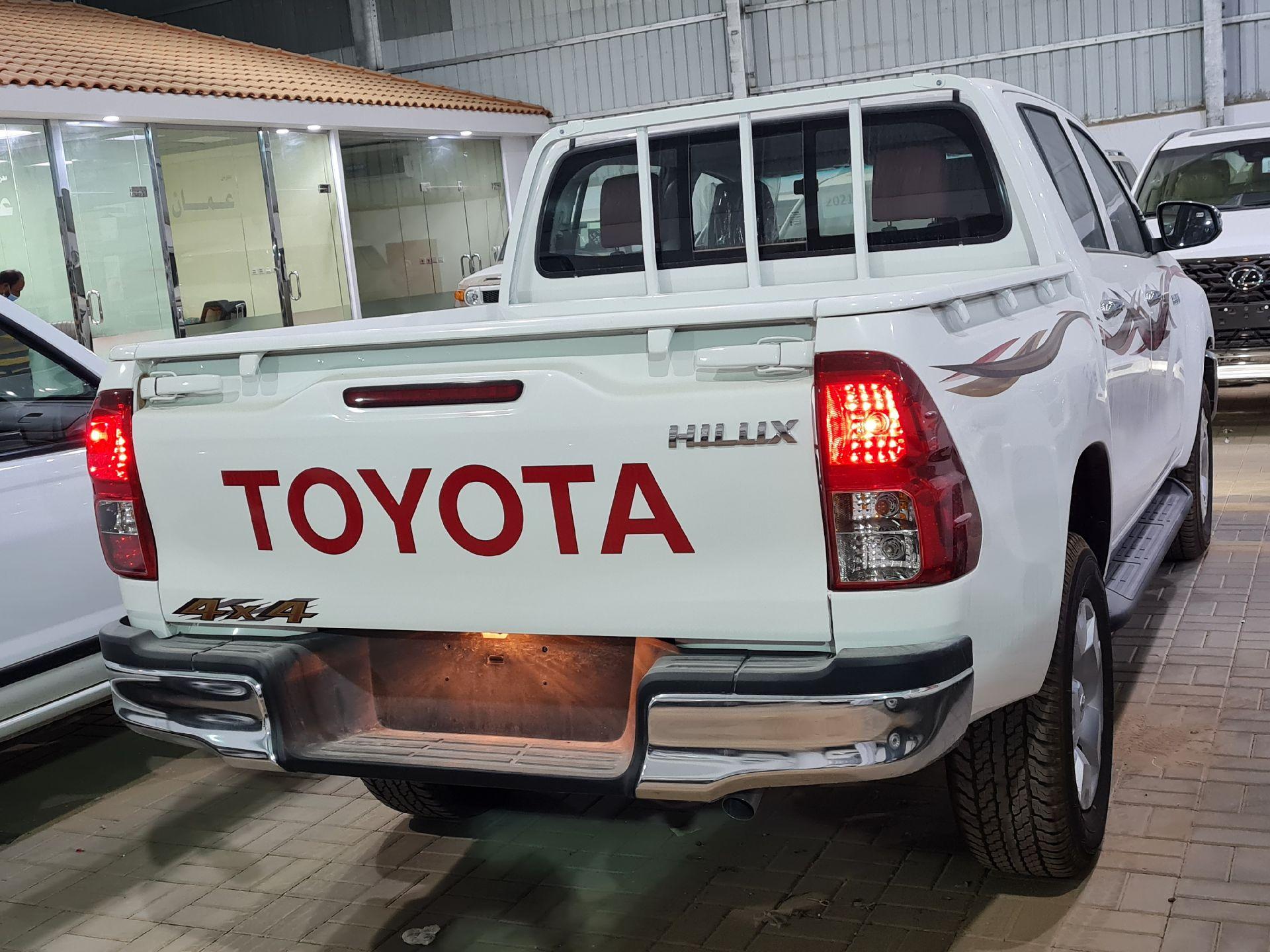 تويوتا هايلكس GLX  نص فل 2021 ديزل خليجي جديد للبيع في الرياض - السعودية - صورة كبيرة - 4