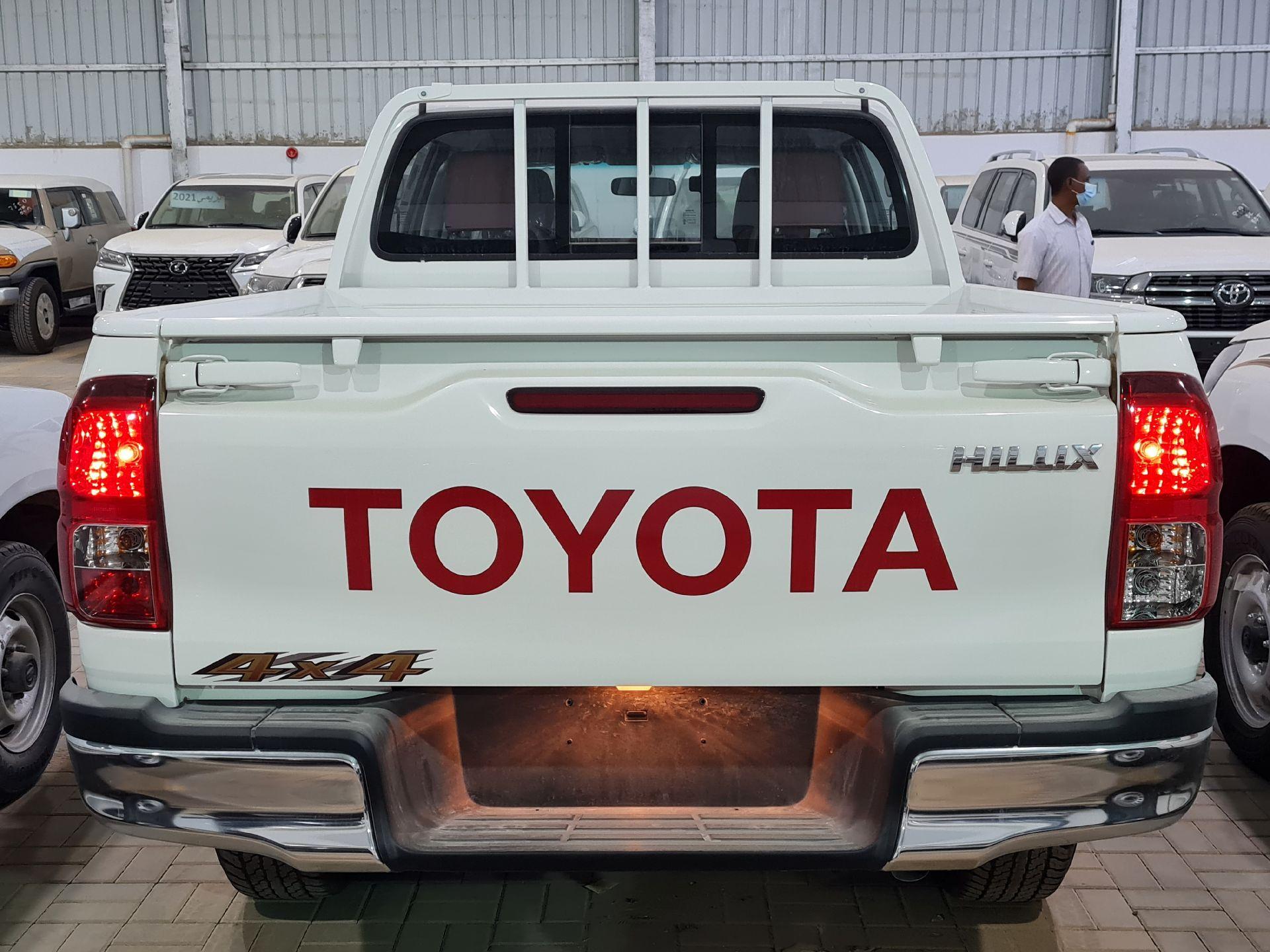 تويوتا هايلكس GLX  نص فل 2021 ديزل خليجي جديد للبيع في الرياض - السعودية - صورة كبيرة - 5