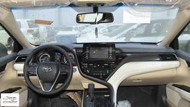 تويوتا كامري  2021   GLE  هايبرد  سعودي اللون أسود  للبيع في الرياض - السعودية - صورة صغيرة - 12