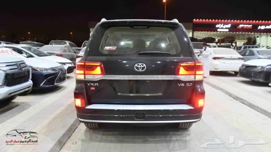لاندكروزر 2021 VXR1 سعودي 8 سلند سعودي  للبيع في الرياض - السعودية - صورة كبيرة - 4