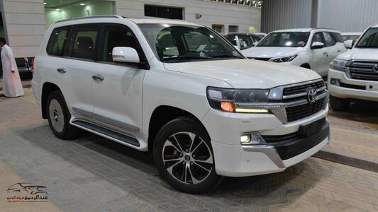 سيارة تويوتا لاندكروزر GXR تورنج  (2021 ) 6 سلندر بنزين   جلد داخل بيج  خليجي جديد للبيع