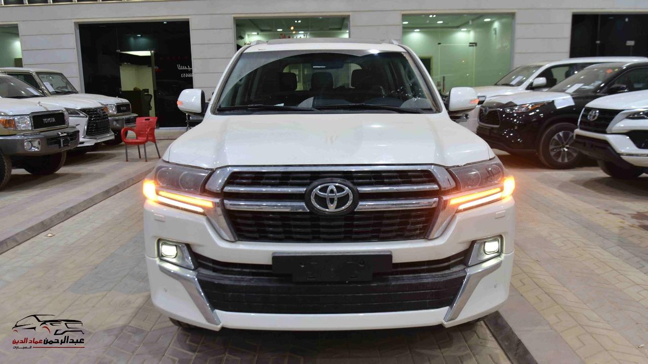 تويوتا لاندكروزر GXR تورنج  (2021 ) 6 سلندر بنزين   جلد داخل بيج  خليجي جديد للبيع في الرياض - السعودية - صورة كبيرة - 2