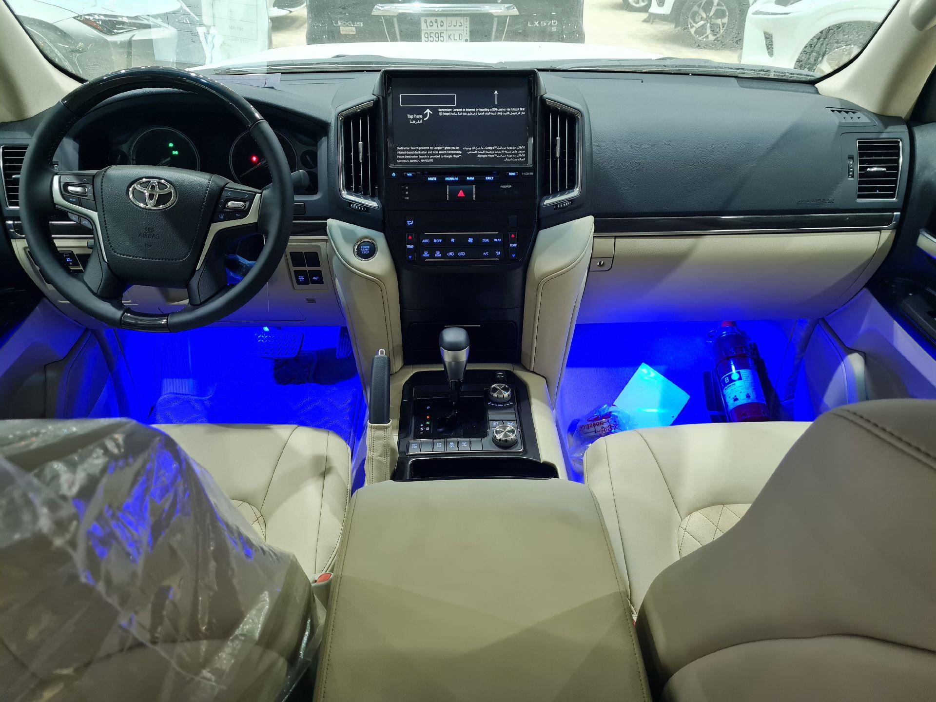 تويوتا لاندكروزر GXR قراند تورنق فل دبل 2021 بريمي جديد للبيع في الرياض - السعودية - صورة كبيرة - 10