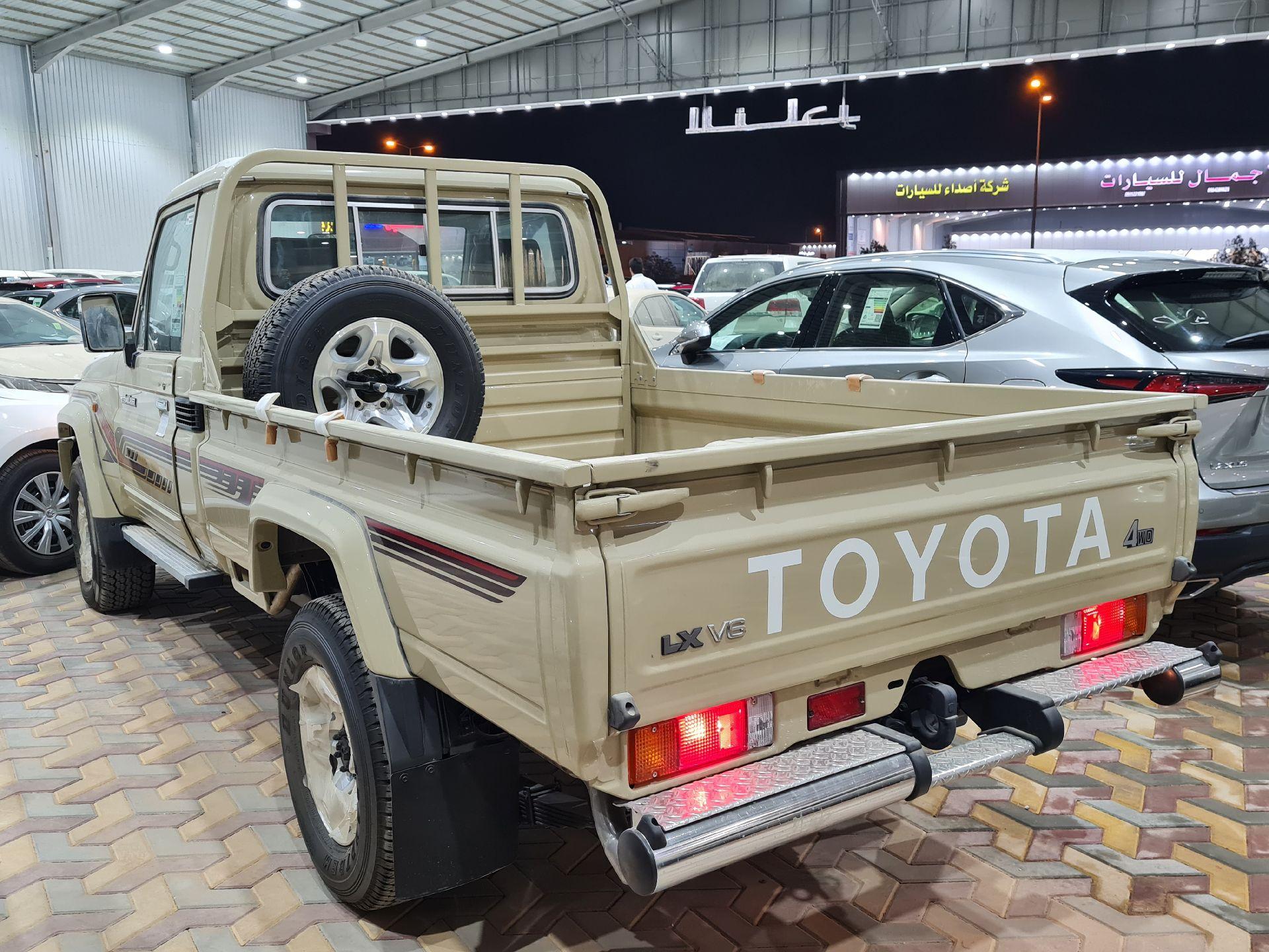 تويوتا شاص LX  دبل 2020 غمارة عماني جديد للبيع في الرياض - السعودية - صورة كبيرة - 3