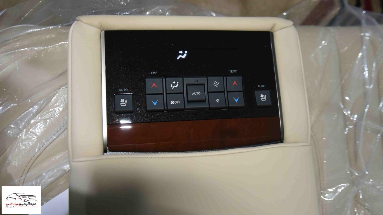 لكزس LX 570    2021   بلاك اديشن   بريمي اللون  ابيض داخل بيج  للبيع في الرياض - السعودية - صورة كبيرة - 5