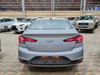 هونداي النترا MID فل  2020 خليجي جديد للبيع في الرياض - السعودية - صورة صغيرة - 7