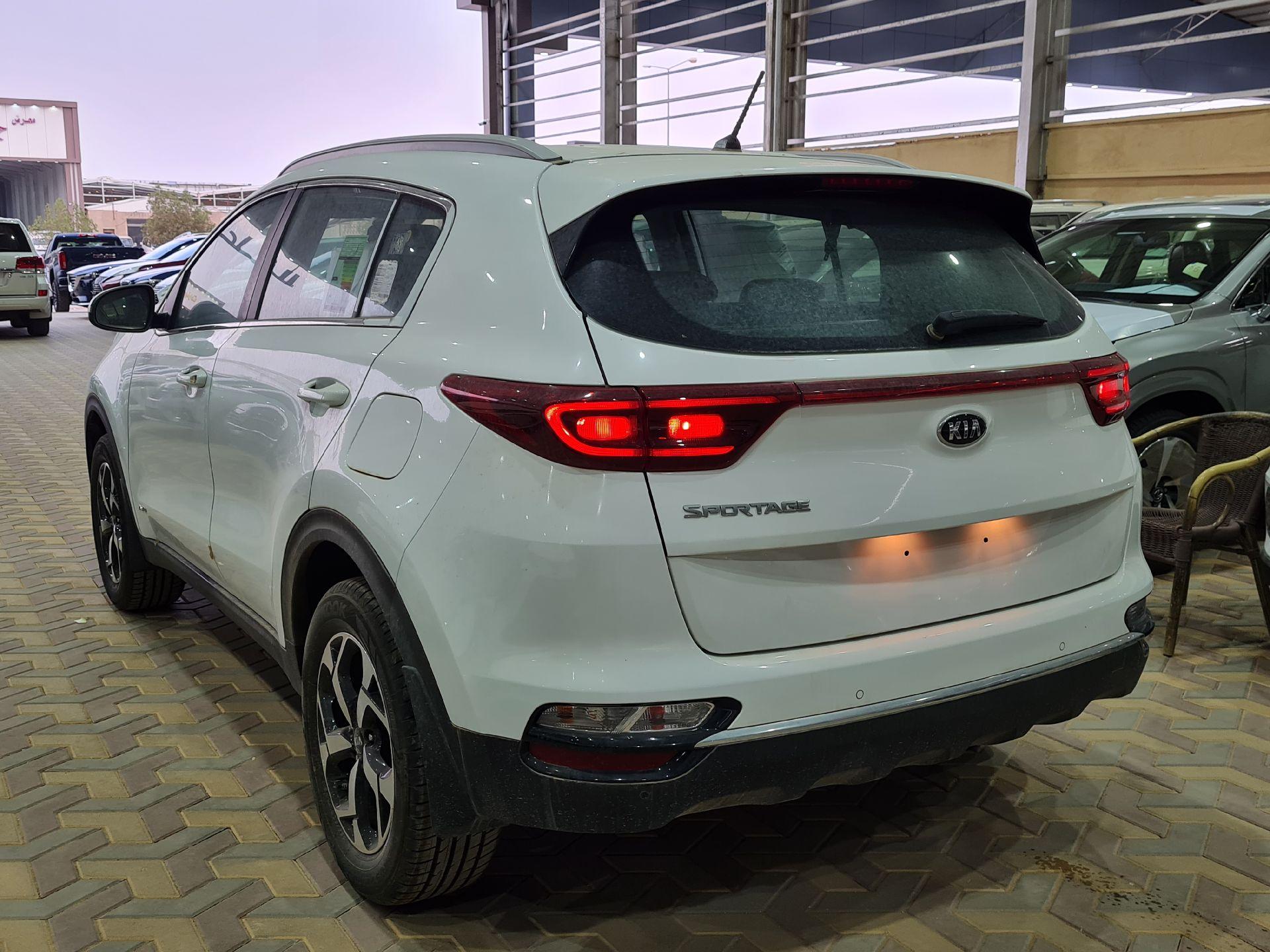 كيا سبورتاج 2020 ستاندر سعودي جديد للبيع في الرياض - السعودية - صورة كبيرة - 3
