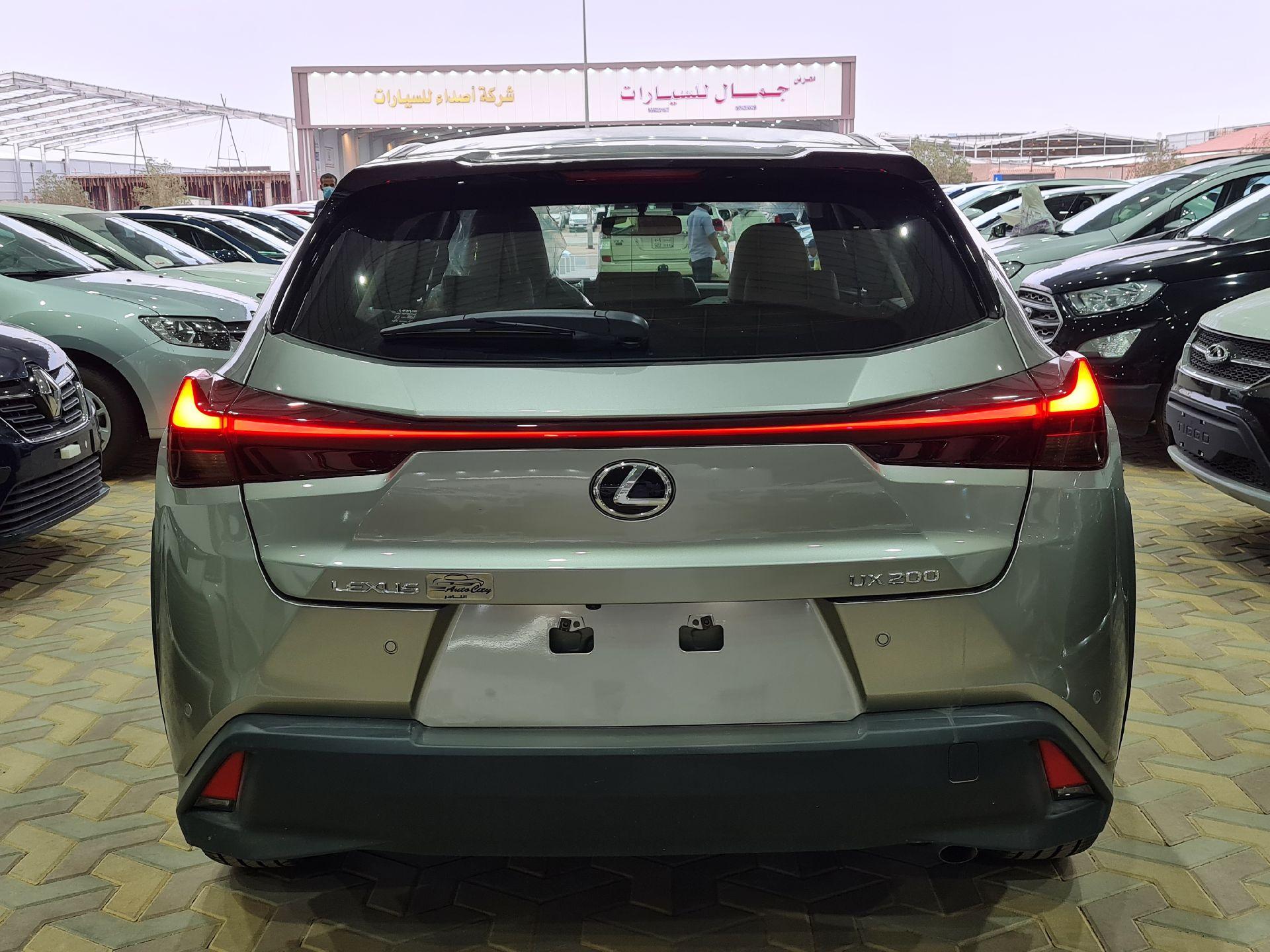 لكزس UX 200-AA Elegant ستاندر 2021 سعودي جديد للبيع في الرياض - السعودية - صورة كبيرة - 5