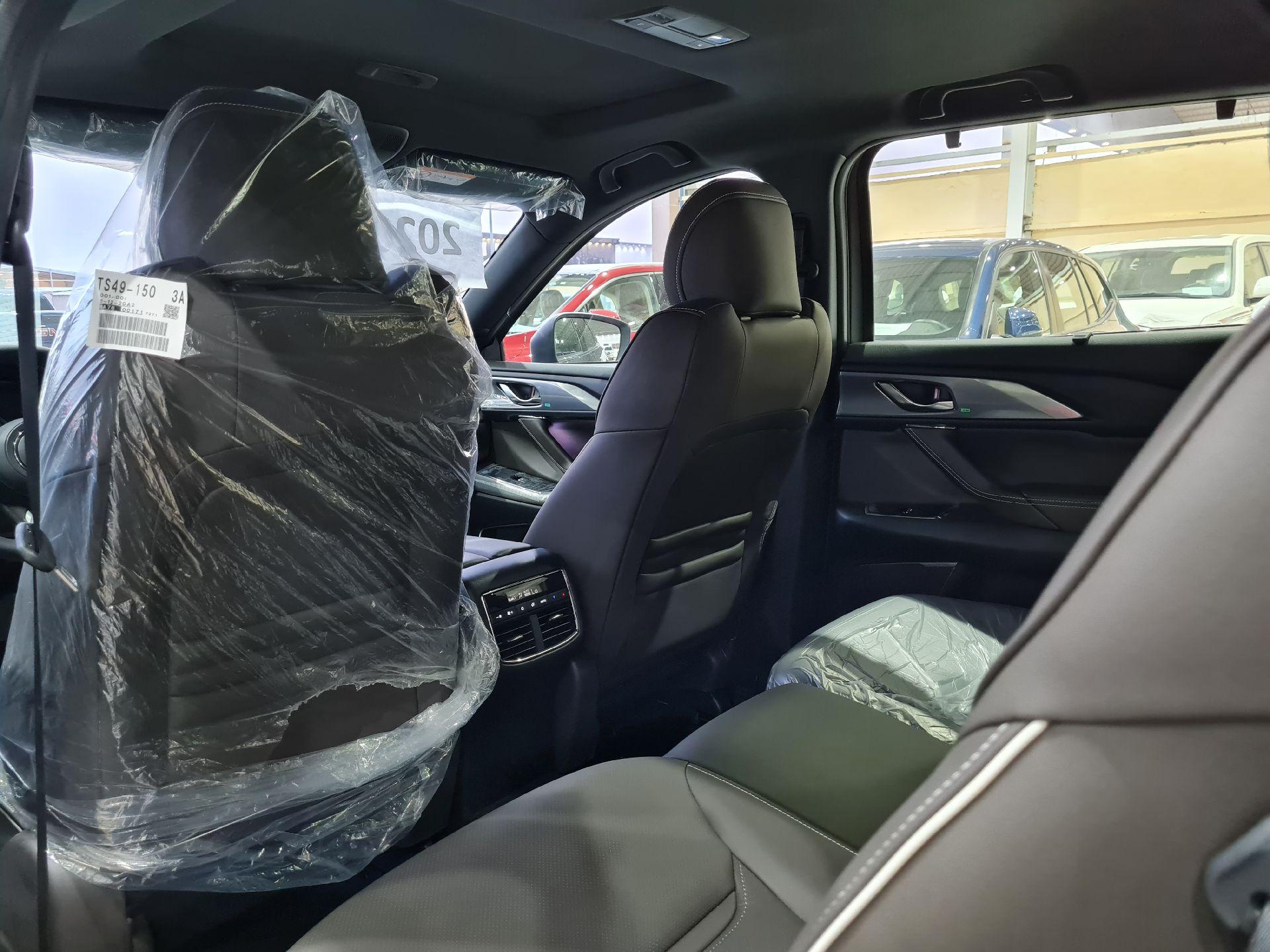 مازدا CX9 فل 2020 خليجي جديد للبيع في الرياض - السعودية - صورة كبيرة - 13