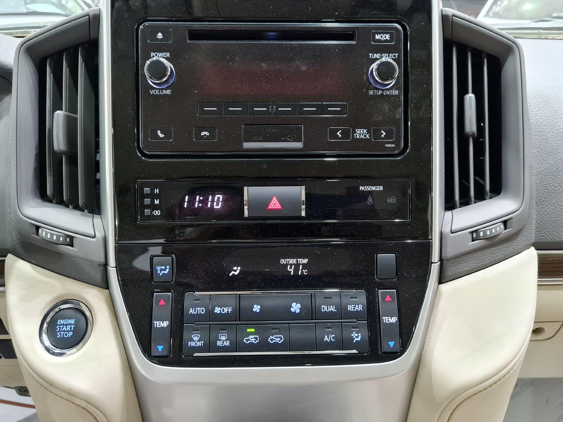 تويوتا لاندكروزر GXR1 2021 ستاندر عماني للبيع في الرياض - السعودية - صورة كبيرة - 12