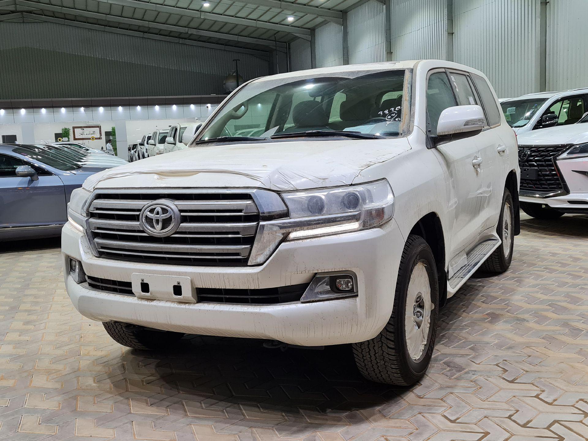 تويوتا لاندكروزر GXR2 2021 نص فل عماني للبيع في الرياض - السعودية - صورة كبيرة - 1
