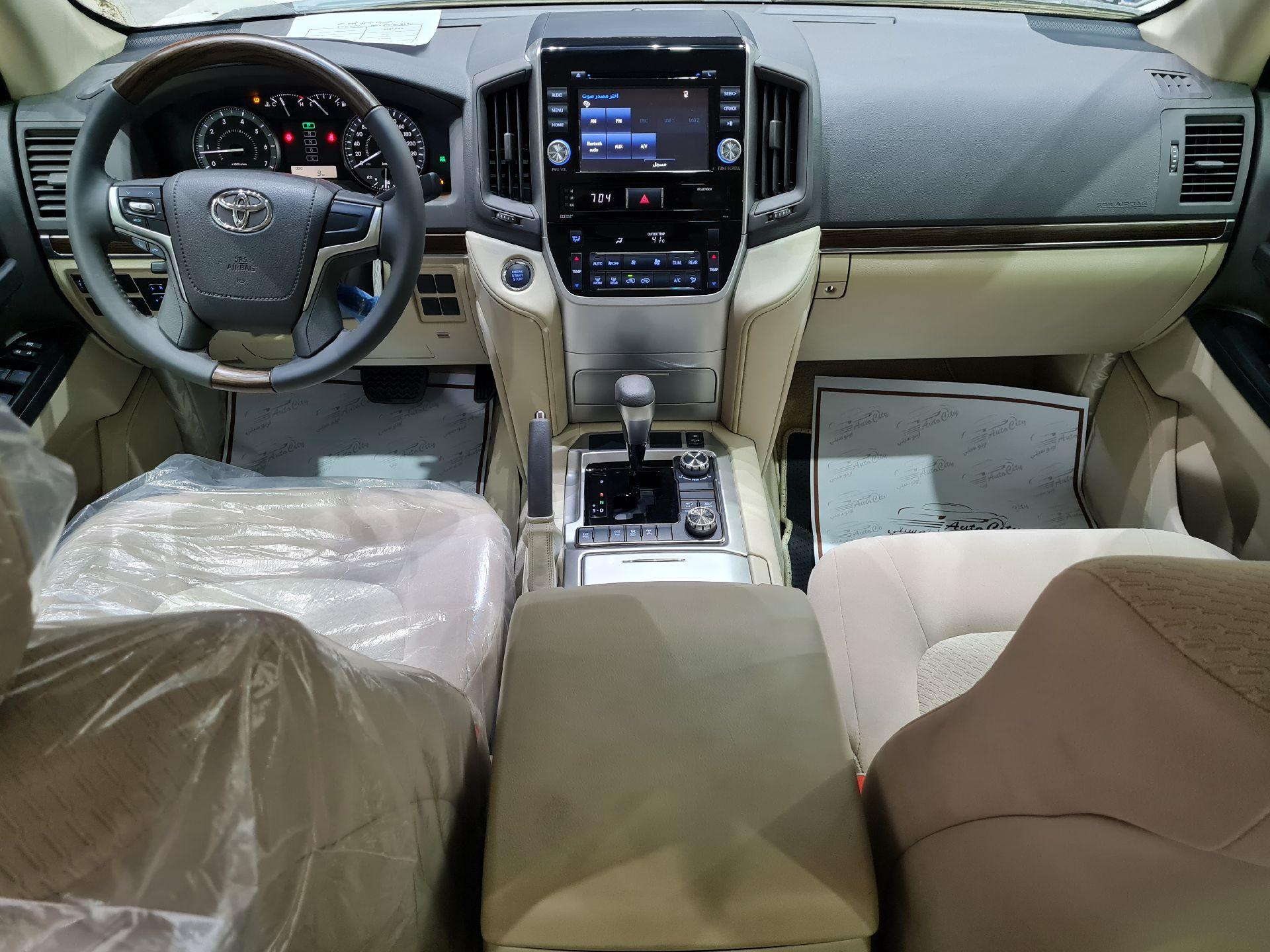 تويوتا لاندكروزر GXR2 2021 نص فل عماني للبيع في الرياض - السعودية - صورة كبيرة - 12