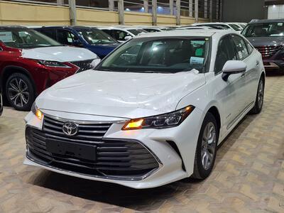 سيارة تويوتا افالون Touring نص فل 2021  سعودي جديد للبيع