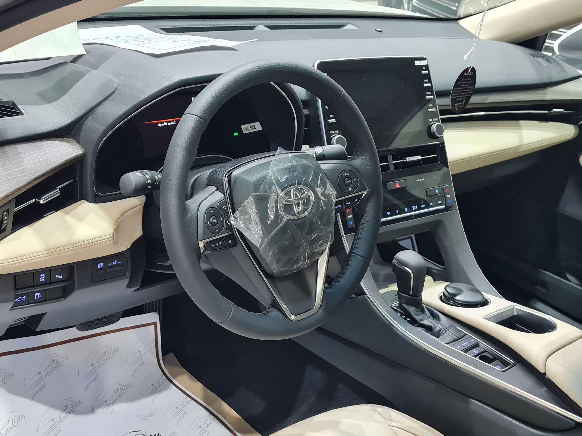 تويوتا افالون Touring نص فل 2021  سعودي جديد للبيع في الرياض - السعودية - صورة كبيرة - 11
