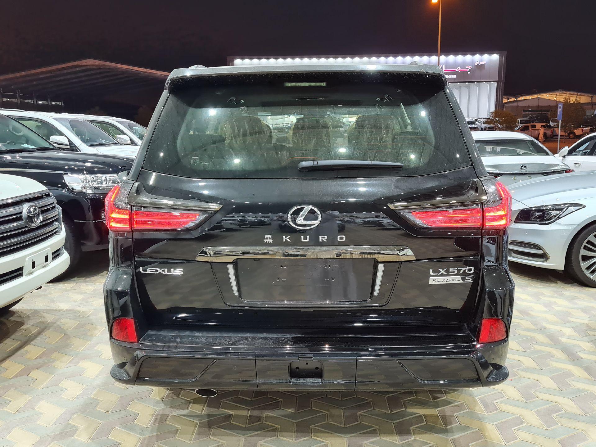 لكزس LX 570 Black Ed.فل 2021 دبل خليجي جديد للبيع في الرياض - السعودية - صورة كبيرة - 5