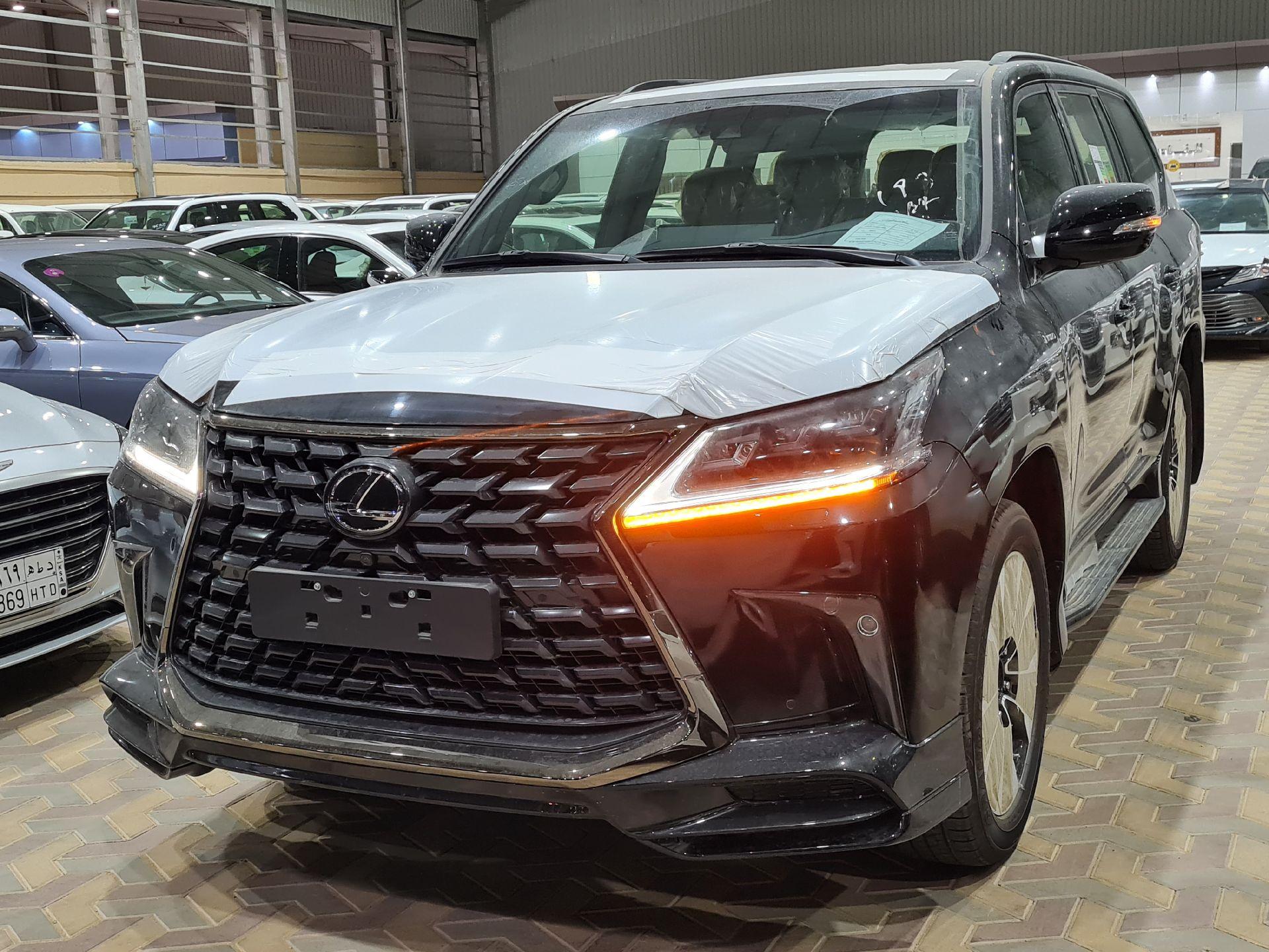 لكزس LX 570 Black Ed.فل 2021 دبل خليجي جديد للبيع في الرياض - السعودية - صورة كبيرة - 1