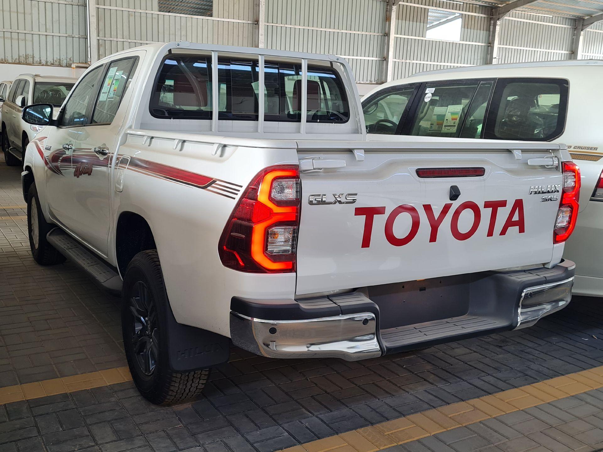 تويوتا هايلكس 2021 للبيع للبيع في الرياض - السعودية - صورة كبيرة - 6