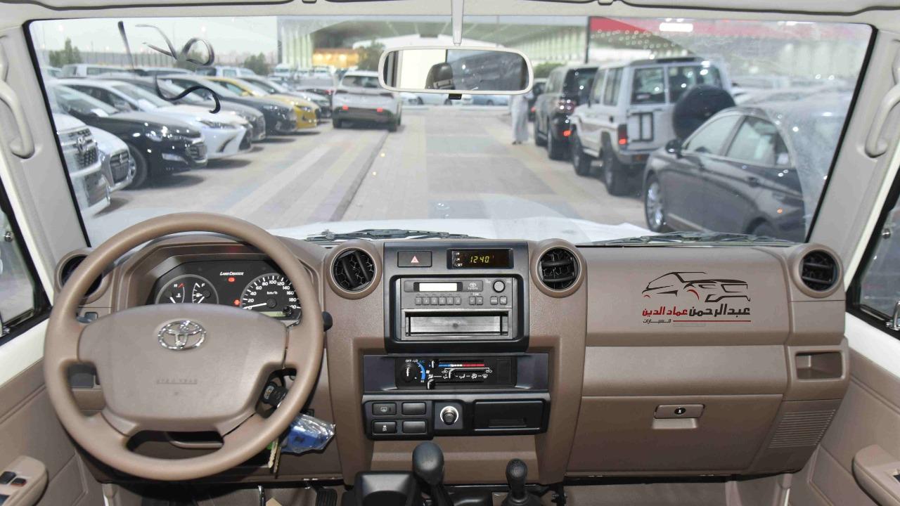 تويوتا ربع  2021  عادي بنزين بوليسي خليجي  للبيع في الرياض - السعودية - صورة كبيرة - 8
