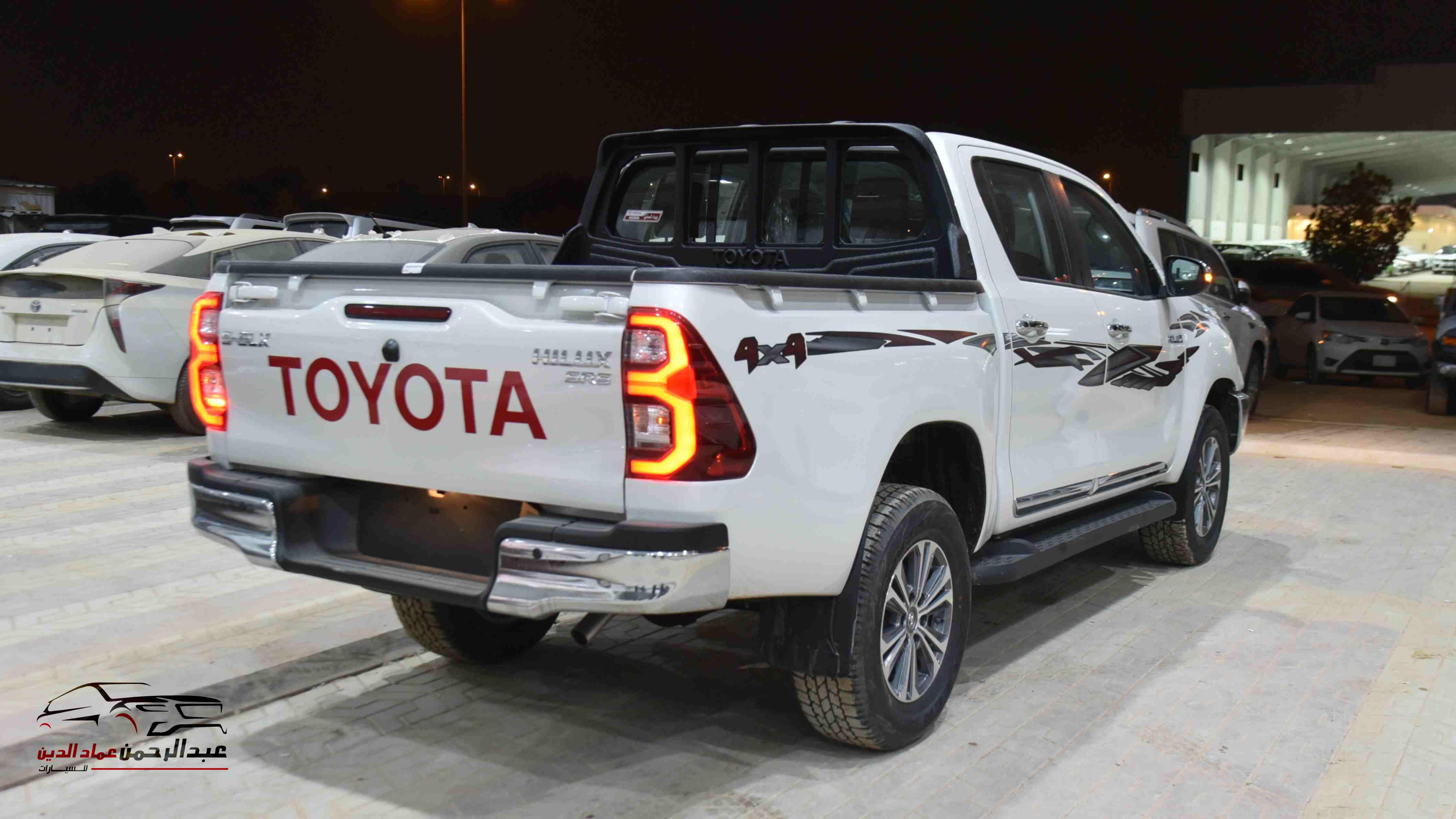 هايلكس 2021 غمارتين دبل 2.7 S_GLX  جير عادي بنزين سعودي للبيع في الرياض - السعودية - صورة كبيرة - 2