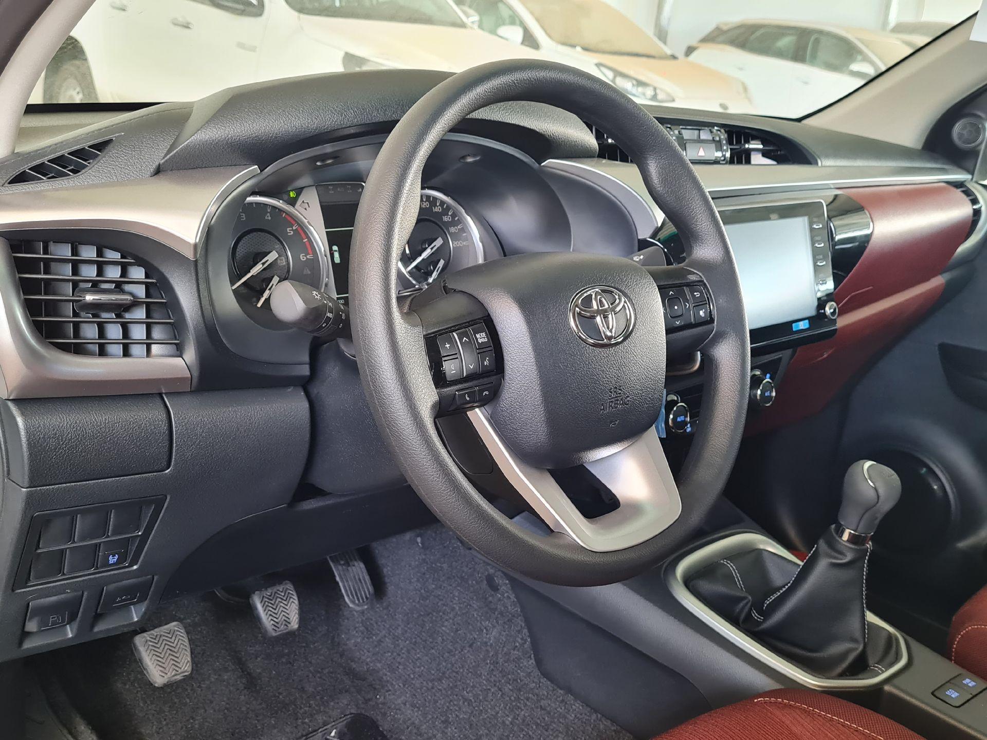 تويوتا هايلكس GLX.S 2021 فل بريمي للبيع في الرياض - السعودية - صورة كبيرة - 15