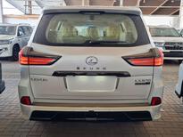 لكزس LX 2021 للبيع للبيع في الرياض - السعودية - صورة صغيرة - 4