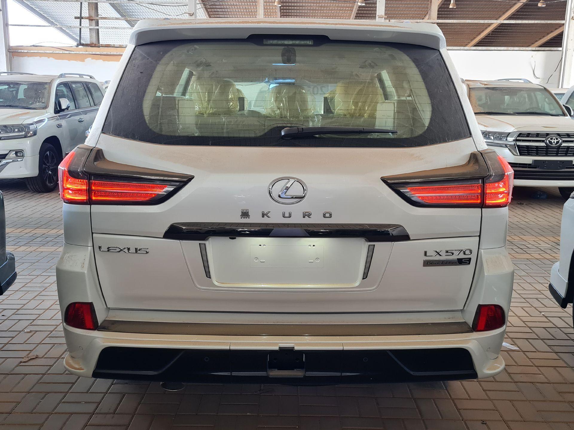 لكزس LX 2021 للبيع للبيع في الرياض - السعودية - صورة كبيرة - 4