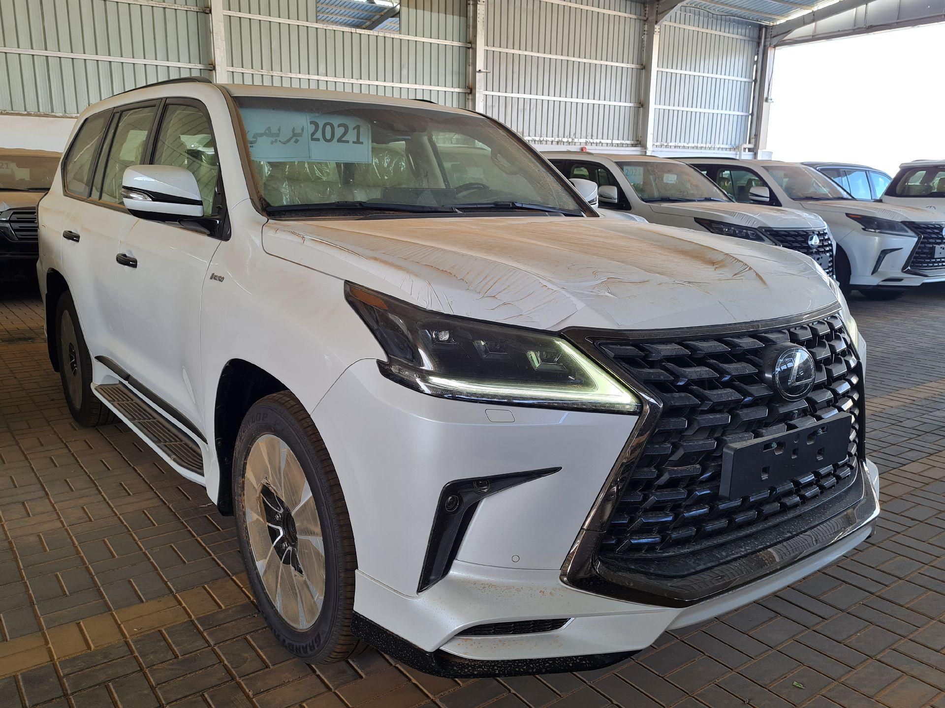 لكزس LX 2021 للبيع للبيع في الرياض - السعودية - صورة كبيرة - 5