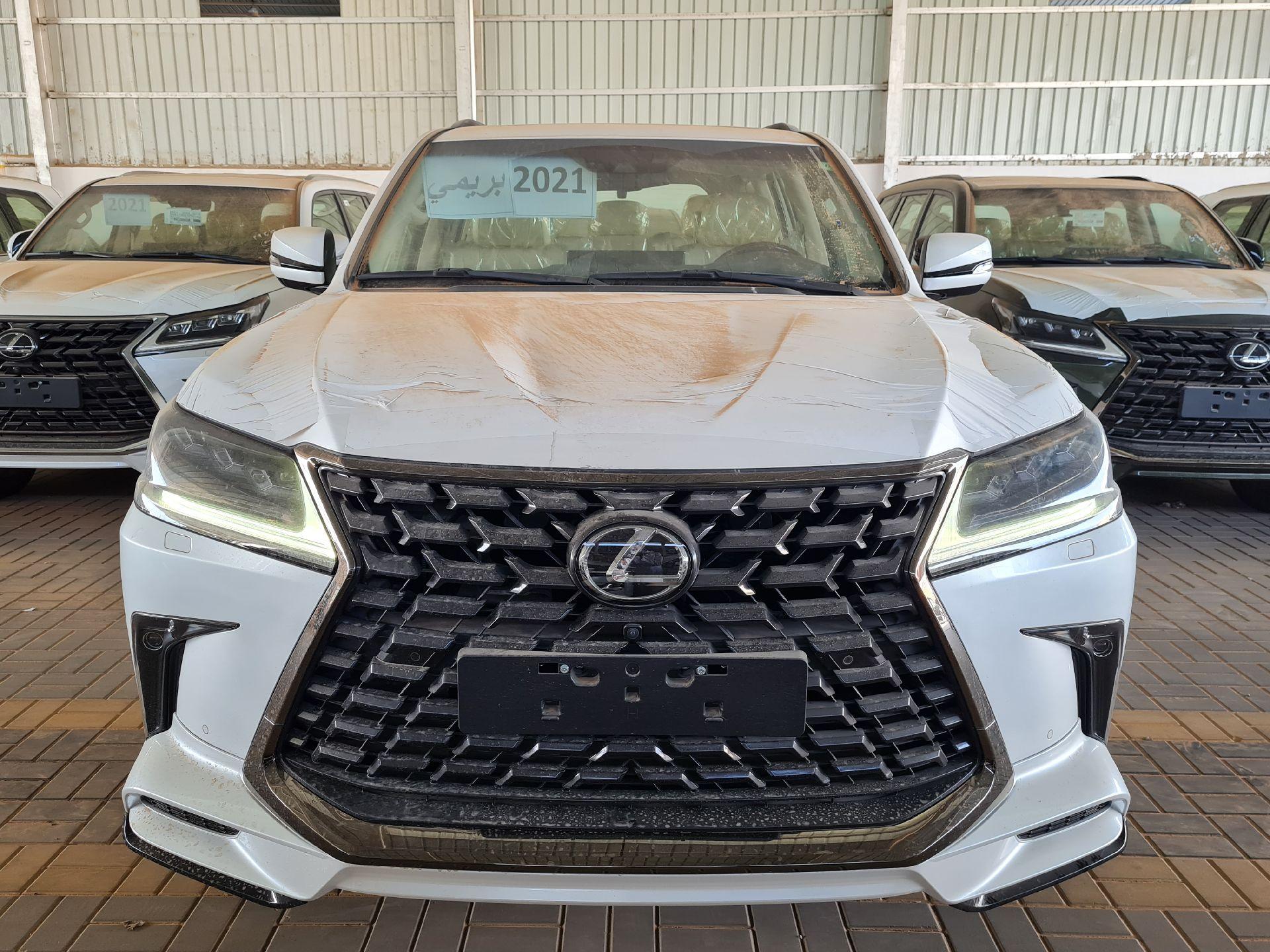 لكزس LX 2021 للبيع للبيع في الرياض - السعودية - صورة كبيرة - 6