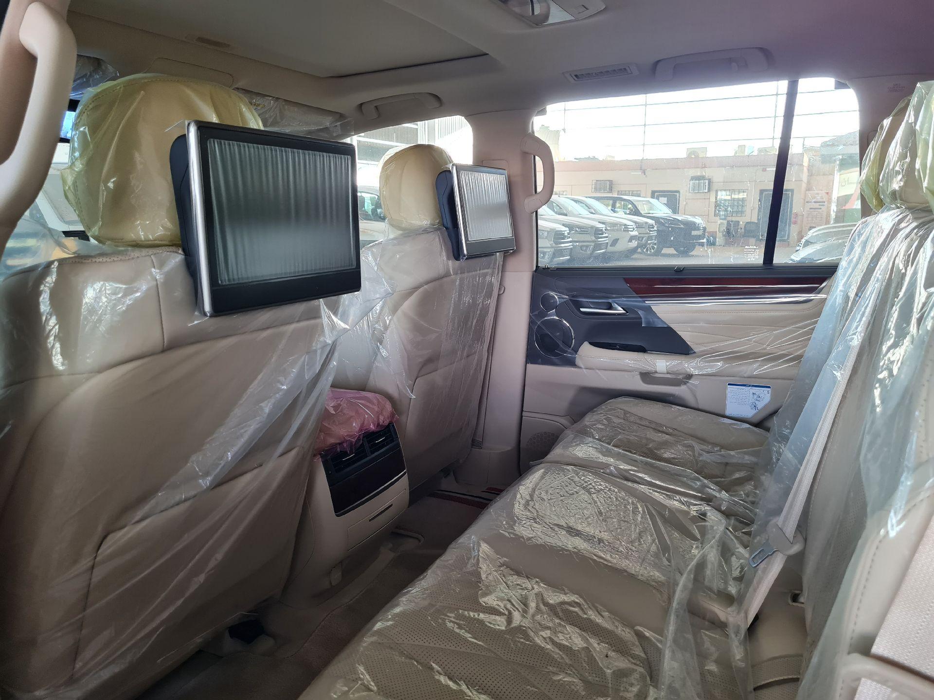 لكزس LX 2021 للبيع للبيع في الرياض - السعودية - صورة كبيرة - 12