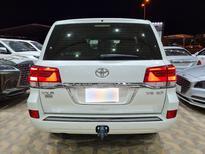تويوتا لاندكروزر VXR خليجي 2021 فل للبيع في الرياض - السعودية - صورة صغيرة - 2