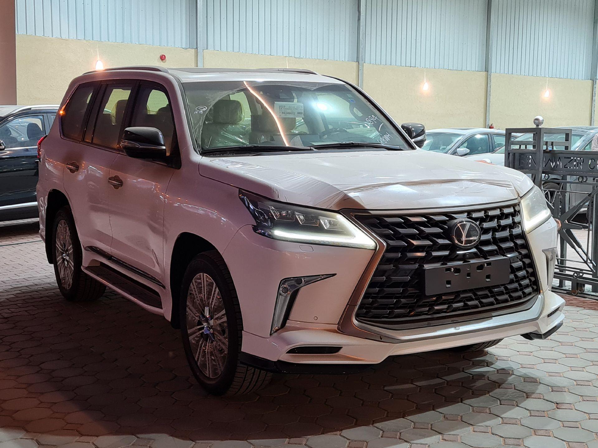 لكزس LX 570-S Sport فل 2021 دبل سعودي جديد للبيع في الرياض - السعودية - صورة كبيرة - 3