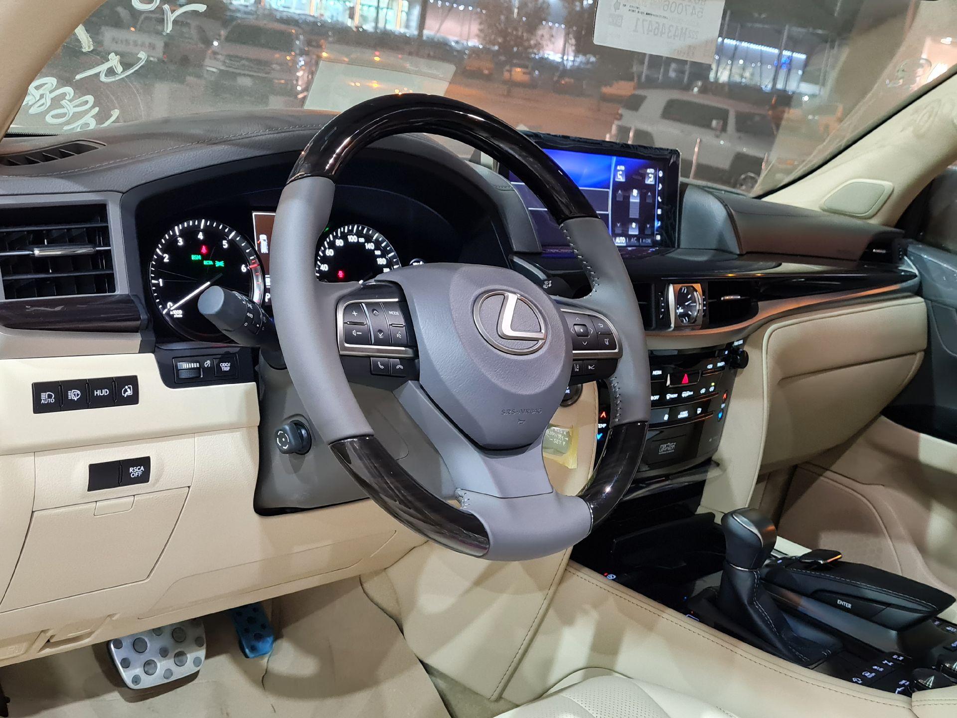 لكزس LX 570-S Sport فل 2021 دبل سعودي جديد للبيع في الرياض - السعودية - صورة كبيرة - 8