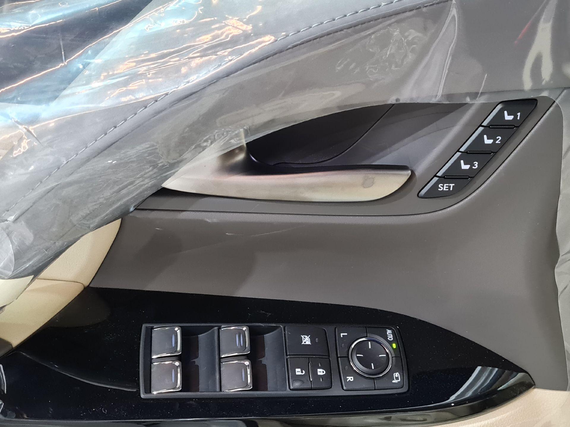 لكزس LX 570-S Sport فل 2021 دبل سعودي جديد للبيع في الرياض - السعودية - صورة كبيرة - 11