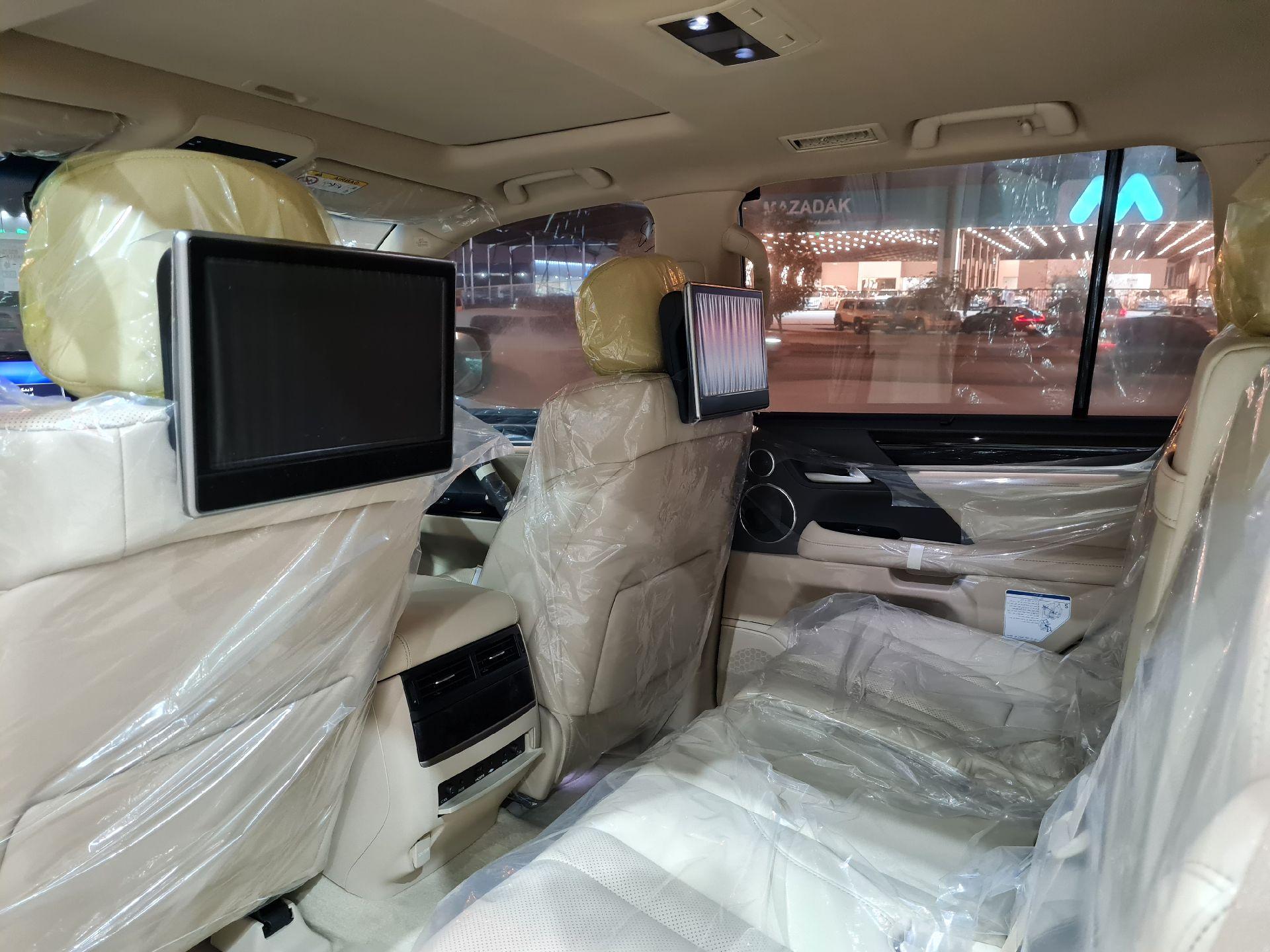 لكزس LX 570-S Sport فل 2021 دبل سعودي جديد للبيع في الرياض - السعودية - صورة كبيرة - 15