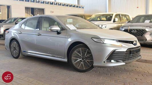 سيارة تويوتا كامري 2021 لومير  فل هايبرد سعودي  للبيع
