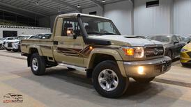 تويوتا شاص 2021 ونش رفرف  ديزل  بريمي جديد للبيع في الرياض - السعودية - صورة صغيرة - 1