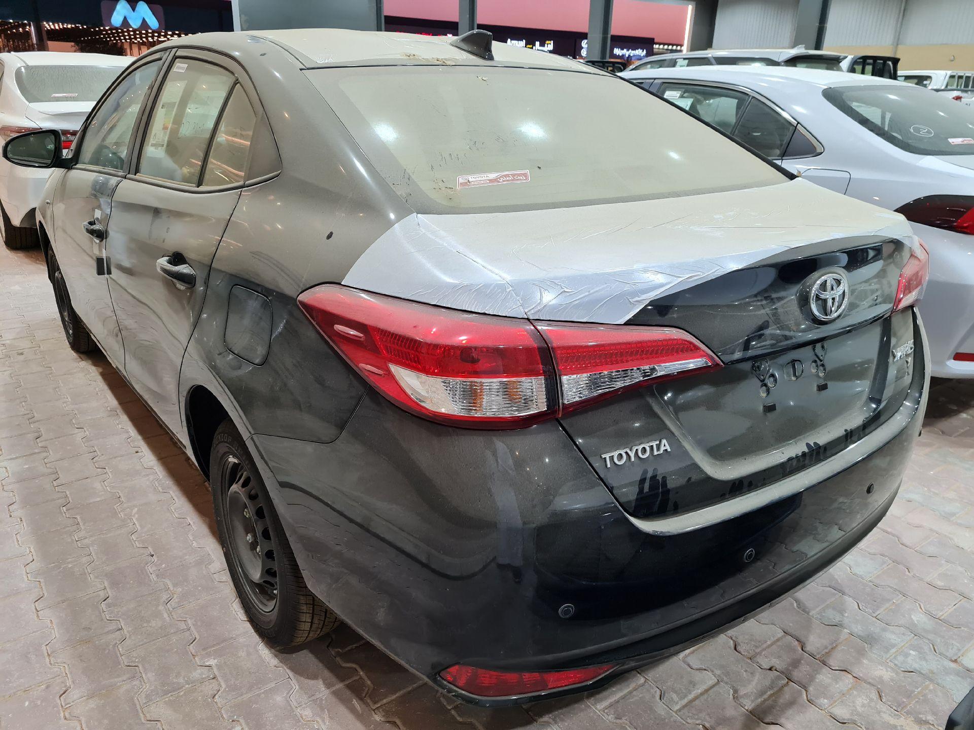 مباع - تويوتا يارس Y FLT 2021 ستاندر سعودي للبيع في الرياض - السعودية - صورة كبيرة - 1