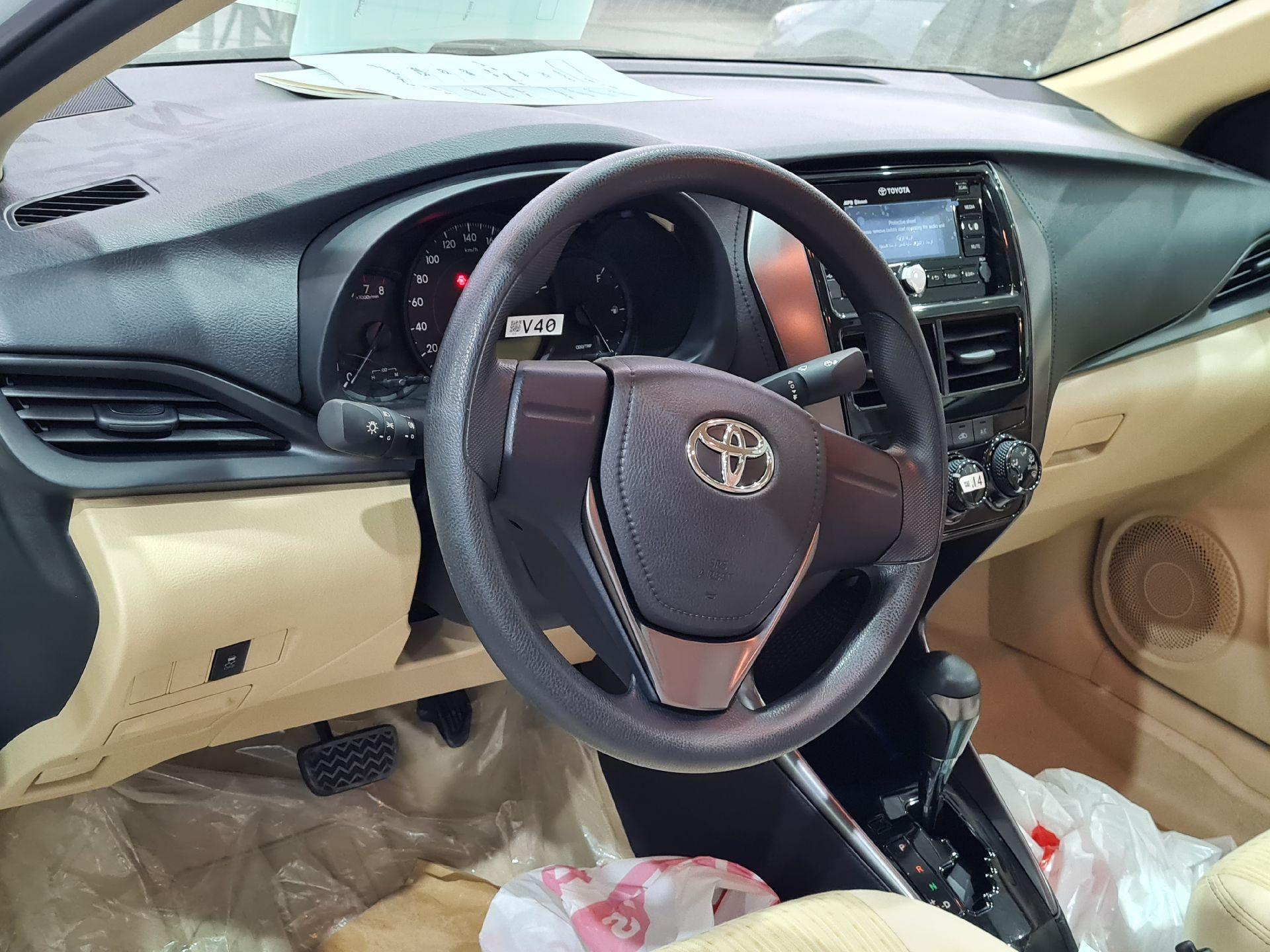 مباع - تويوتا يارس Y FLT 2021 ستاندر سعودي للبيع في الرياض - السعودية - صورة كبيرة - 9