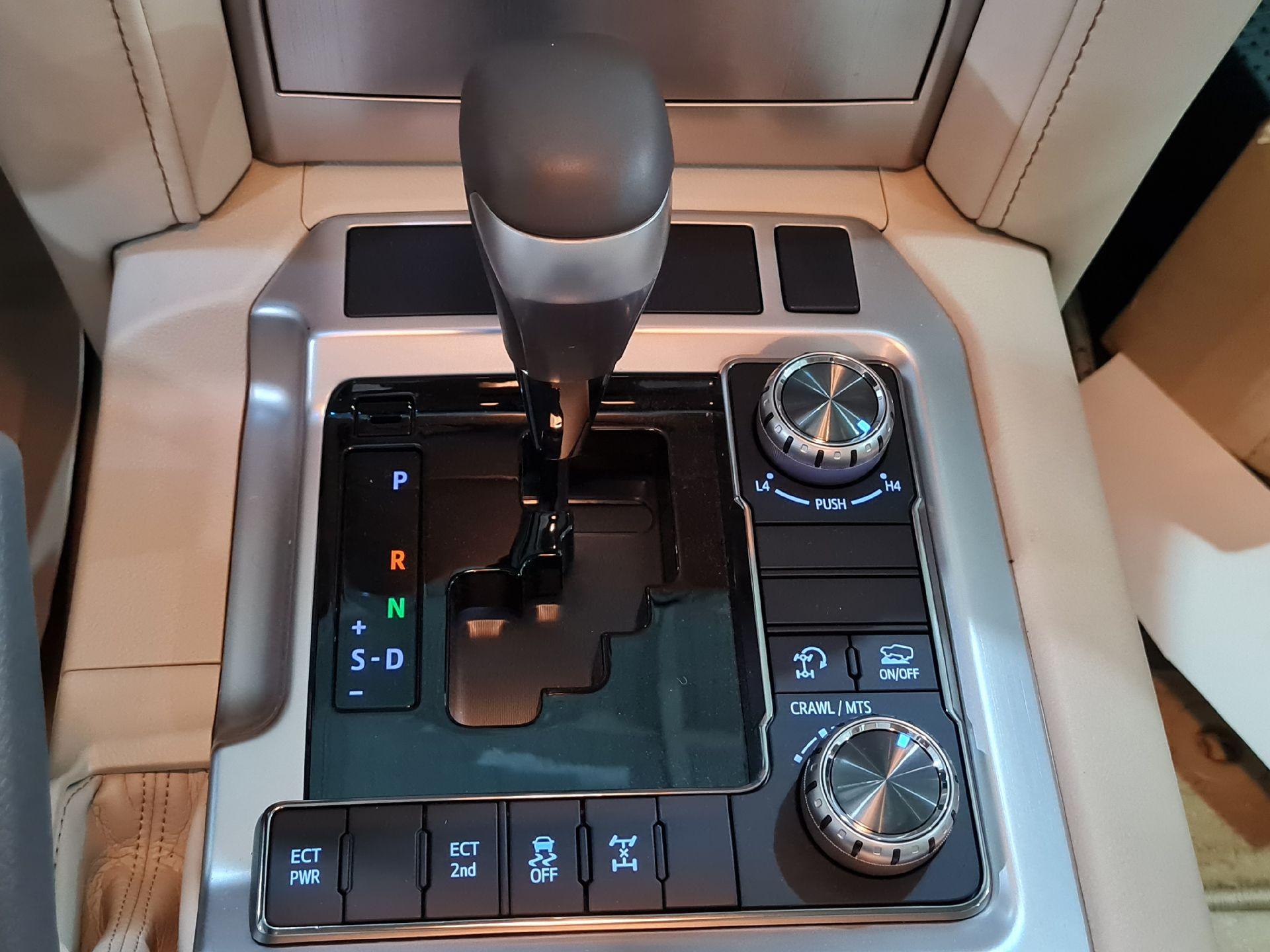 تويوتا لاندكروزر VXR1 2021 ستاندر خليجي للبيع في الرياض - السعودية - صورة كبيرة - 1