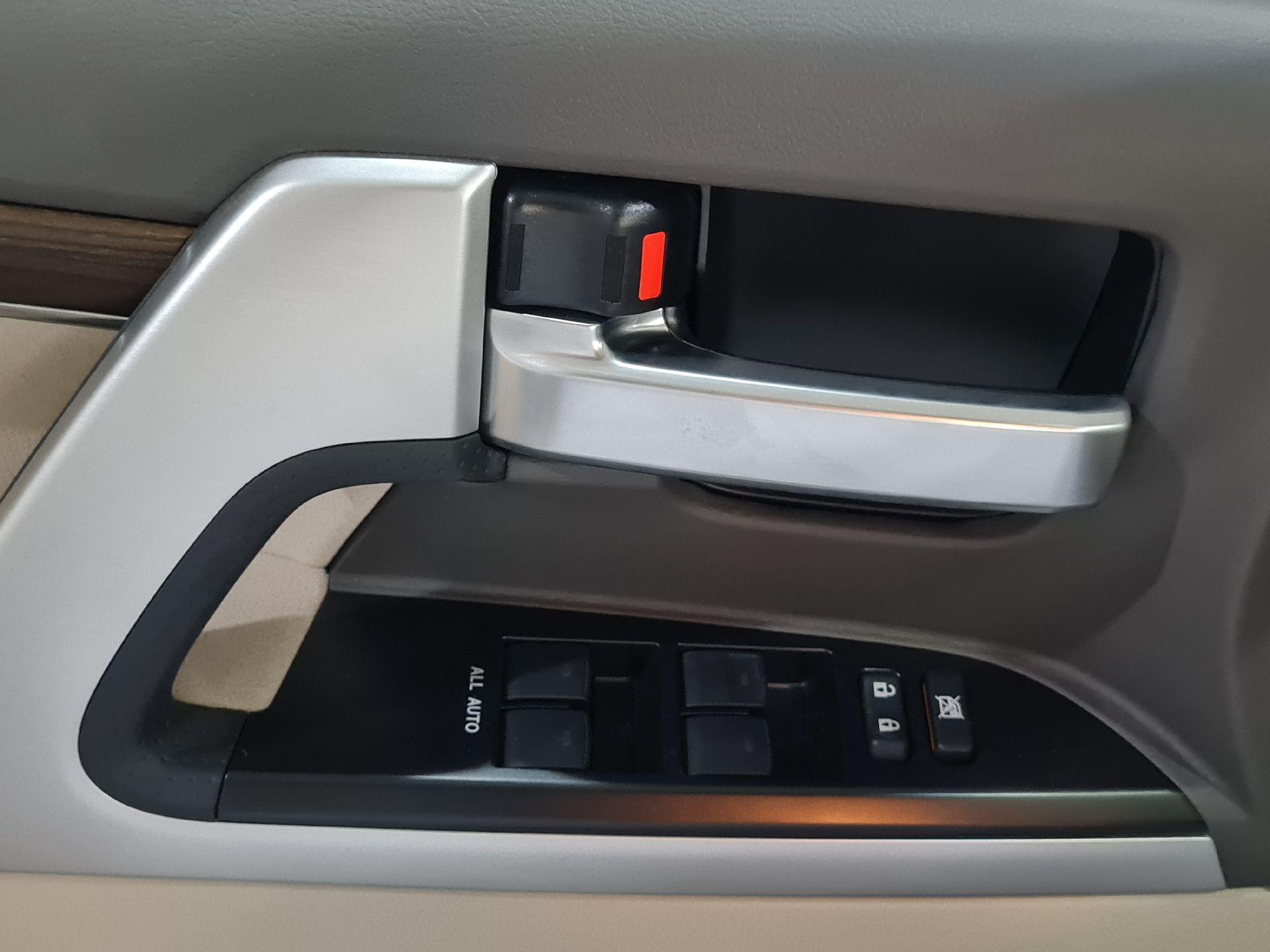 تويوتا لاندكروزر VXR1 2021 ستاندر خليجي للبيع في الرياض - السعودية - صورة كبيرة - 4
