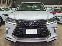 لكزس LX 570-S Sport خليجي 2021 فل للبيع في الرياض - السعودية - صورة صغيرة - 5