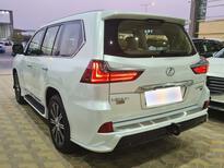 لكزس LX 570-S Sport خليجي 2021 فل للبيع في الرياض - السعودية - صورة صغيرة - 6