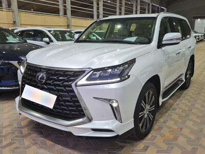 سيارة لكزس LX 570-S Sport خليجي 2021 فل للبيع