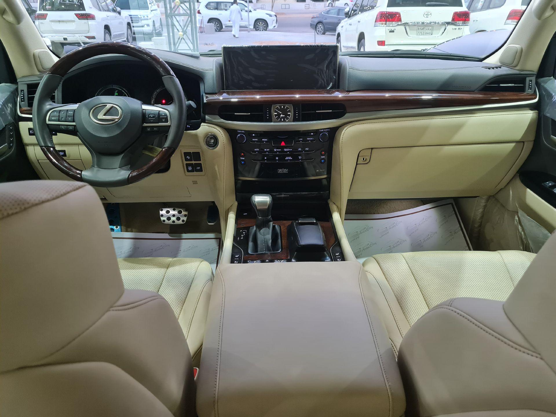 لكزس LX 570-S Sport خليجي 2021 فل للبيع في الرياض - السعودية - صورة كبيرة - 17