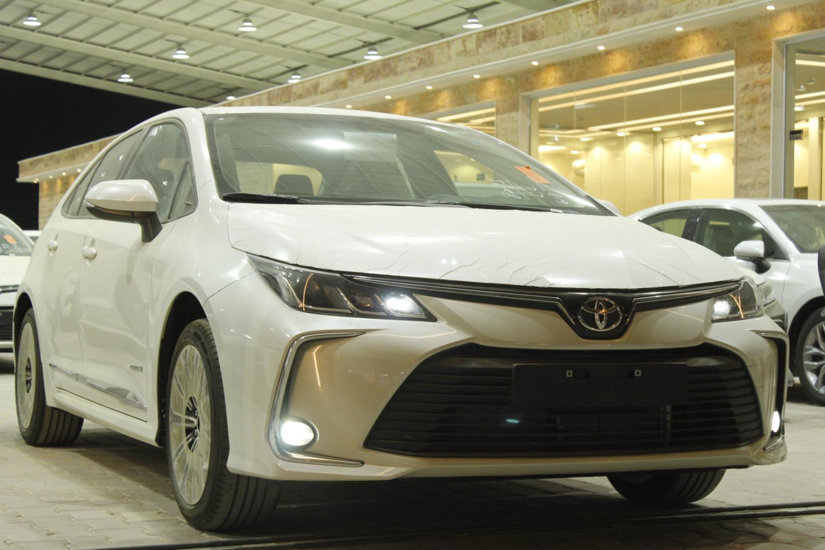 مباع - تويوتا كورولا XLI Executive Moonroof نص فل 2021 سعودي جديد للبيع في الرياض - السعودية - صورة كبيرة - 11