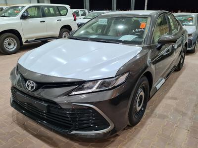 سيارة تويوتا كامري LE ستاندر 2021 سعودي جديد للبيع