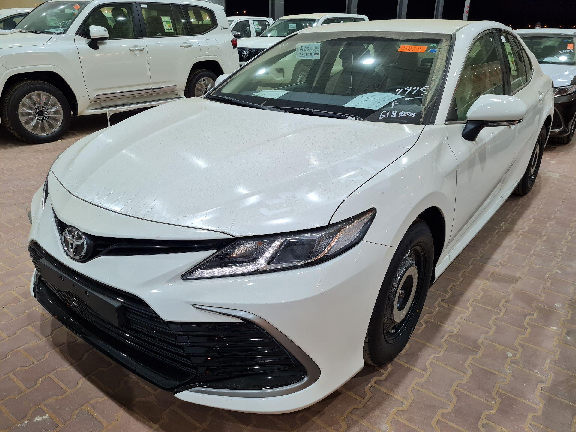 تويوتا كامري LE ستاندر 2021 سعودي جديد للبيع في الرياض - السعودية - صورة كبيرة - 1