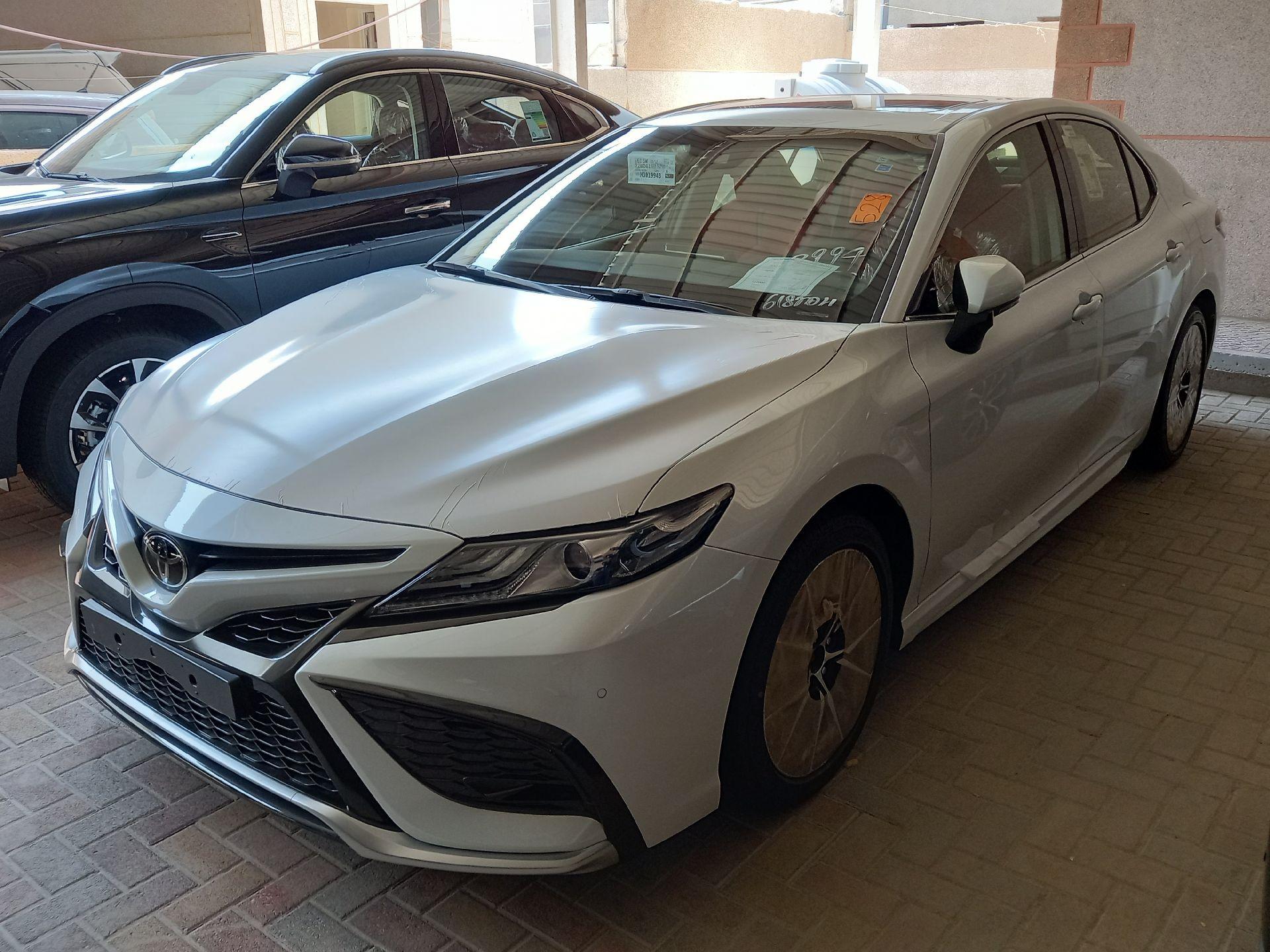 تويوتا كامري SE V6 فل 2021 سعودي جديد للبيع في الدمام - السعودية - صورة كبيرة - 5